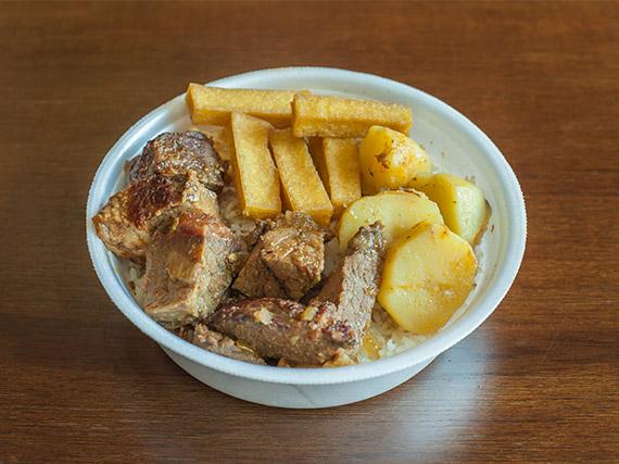 Nº8 - Marmitex carne ao molho