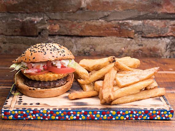 Combo - Hamburguesa criolla + papas fritas