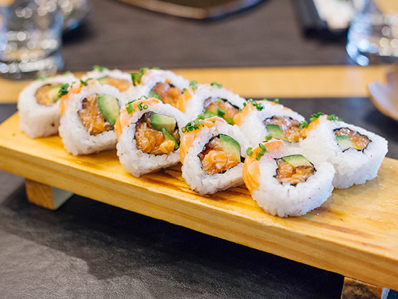 Roll dos salmones (10 unidades)