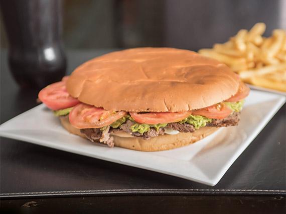 Promo - Sándwich a elección + bebida en lata + porción de papas fritas