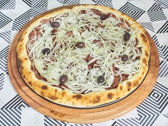 Pizza grande 03 - Calabresa