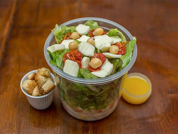 Salada de grão de bico (336 kcal)