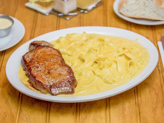 Fetuccini huancaino filete