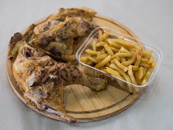 Pollo a las brasas con papas fritas