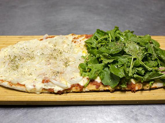 Pizza mitad y mitad (12 porciones)