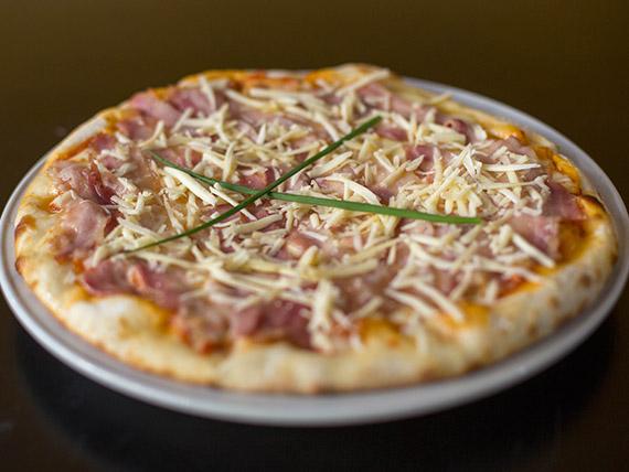 Pizza contadina + Quilmes 750 ml