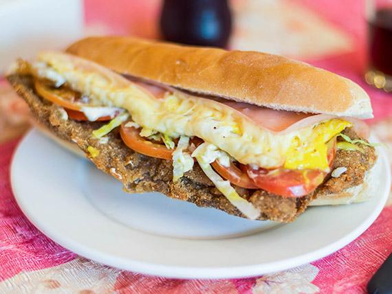 Sándwich de milanesa súper