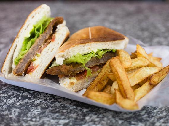 Promo 20 - Sándwich de milanesa + papas fritas