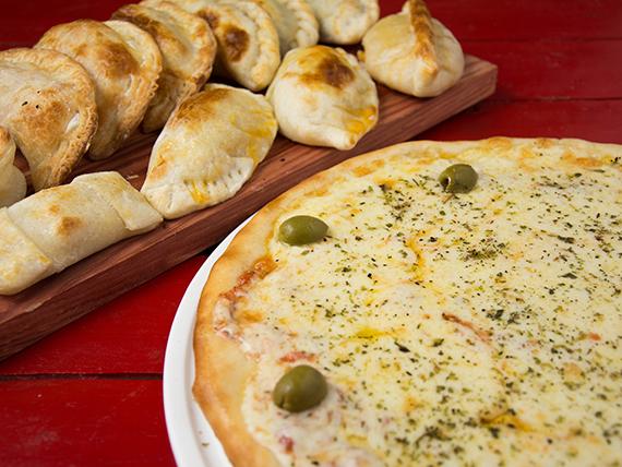 Promo 2 - Pizza con muzzarella grande + 12 empanadas