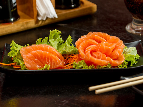 Sashimi de salmão (10 peças)