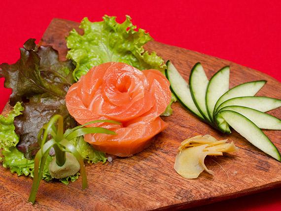 23. Sashimi salmão