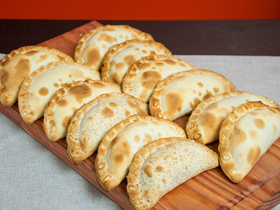 Promo 8 - 12 empanadas
