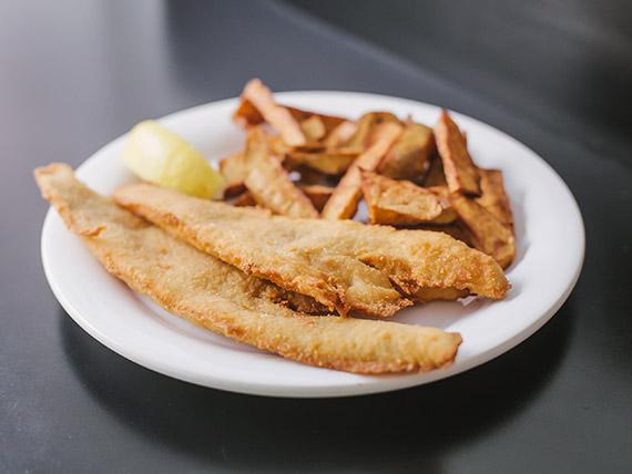 Filet de merluza con batatas fritas