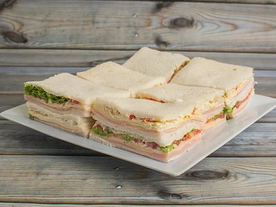 Sándwiches triples (12 unidades)