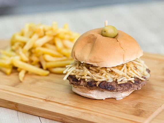 Hamburguesa Nevada con papas fritas