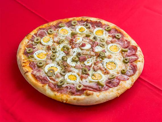 18 - Pizza portuguesa média