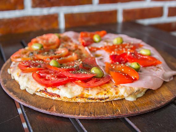 Pizza muzzarella, jamón y morrones porción