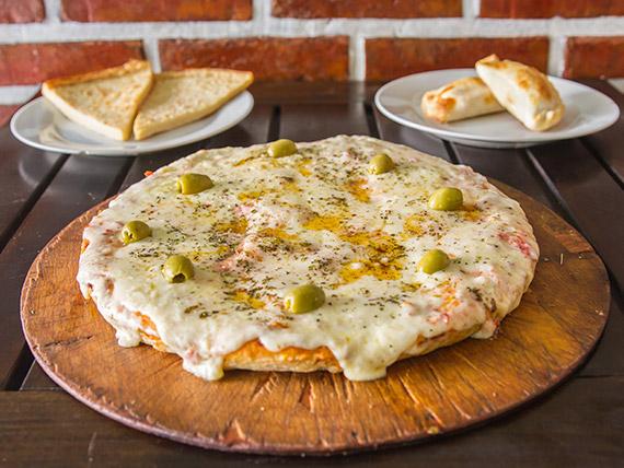 Promo 1 - 1 grande de muzzarella + 2 fainá + 2 empanadas