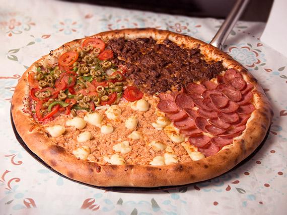 Pizza meio a meio big família (20 fatias)