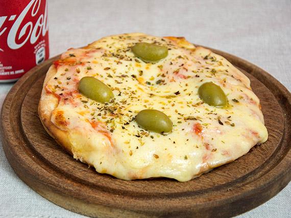 Promoción - Pizza muzzarella individual + jugo Baggio 200 ml