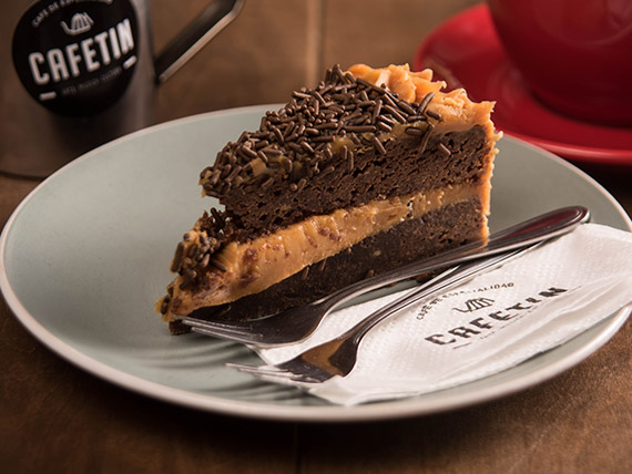 Torta brownie de manjar