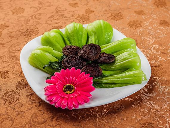 92 - Verdura china con hongos