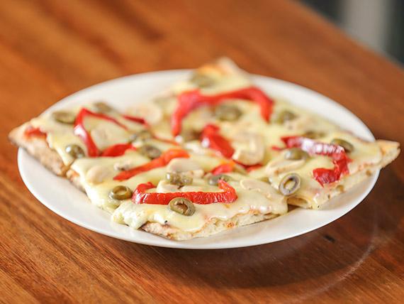 Porción de pizza muzzarella con gusto