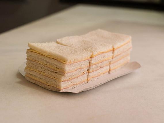 Sándwiches simples a elección (25 unidades)