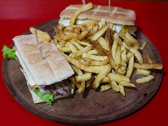 Promo 7 - 2 sándwiches de lomito completos + papas fritas