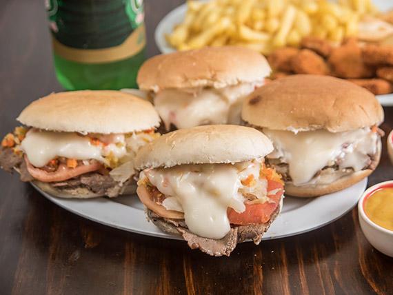 Promoción familiar B - 4 churrascos a elección + papas fritas + empanadas de queso (12 unidades) + nuggets (12 unidades) + bebida 1.5 L