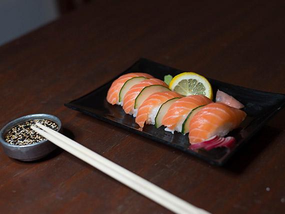 Niguiri salmón (5 unidades)