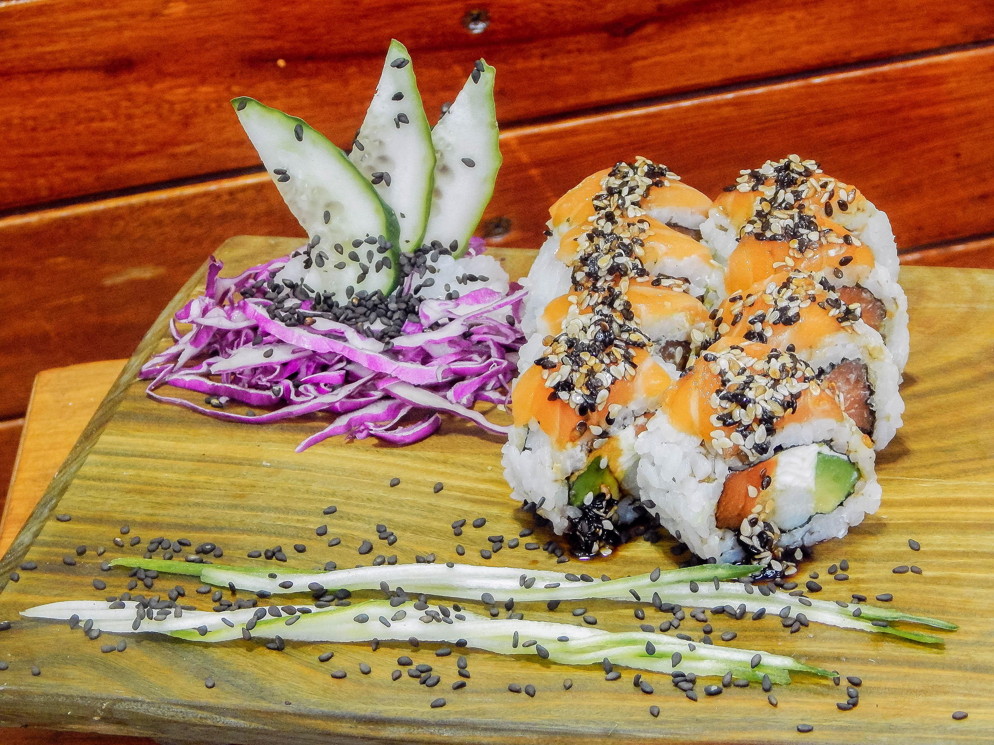 Ebi sake especial roll (8 piezas)
