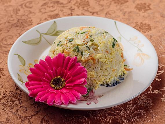 29 - Arroz saltado  con huevo y verduras