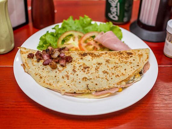 4 - Crepe mussarela, presunto, milho, bacon e orégano