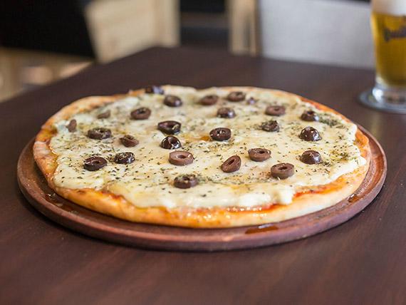 Pizza a los cuatro quesos