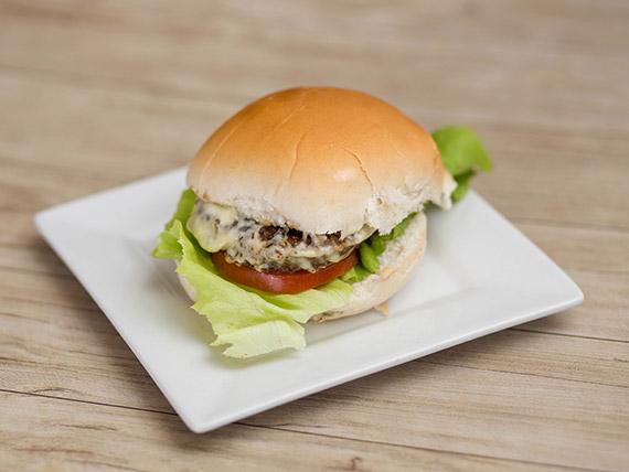 Hamburguesa con muzzarella al pan