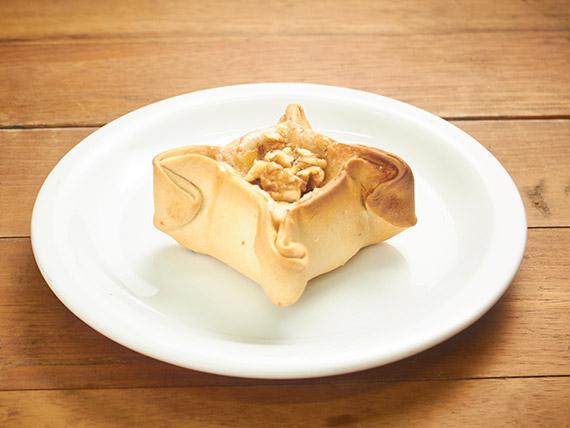 13 - Empanada de roquefort, salsão, presunto e nozes