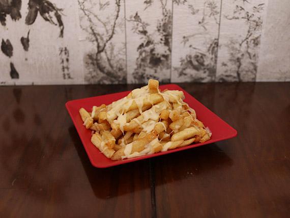 Porção  batata frita com queijo