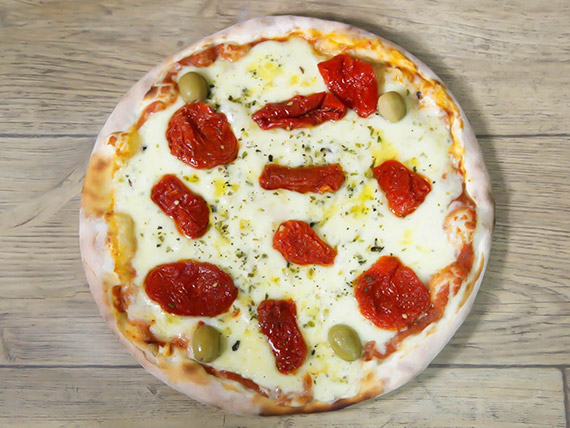 54 - Pizza tomate seco e parmesão