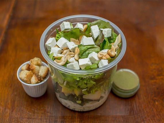 Salada de frango com pera e brócolis (272 kcal)