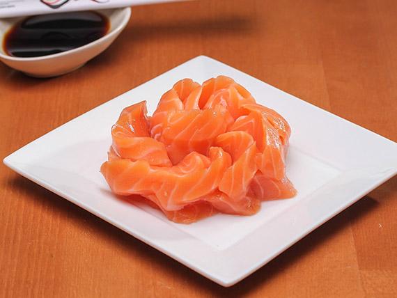 105 - Sashimi sake (7 cortes)