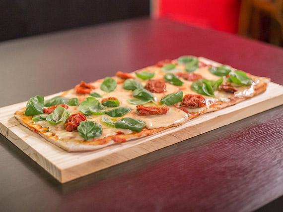 Pizza con queso brie