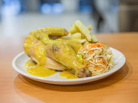 1/2 Pollo con salsa de mostaza dijón (comen 2)