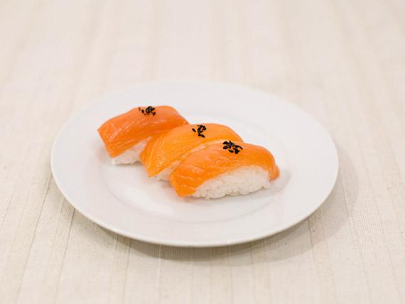 Niguiri de salmón (6 unidades)