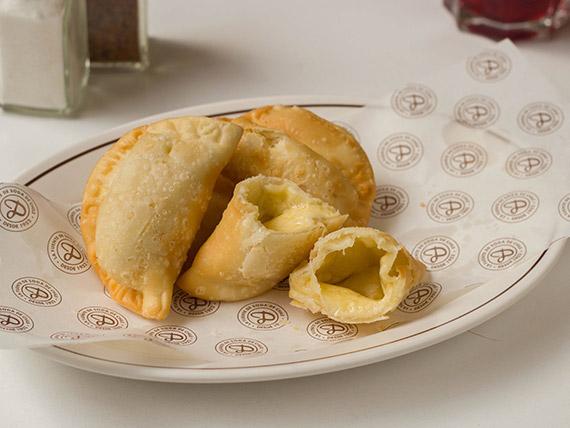 Empanadas maestras de queso (4 unidades)