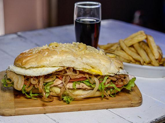 Sándwiche de Pollo Criollo