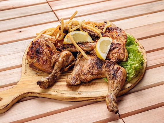 Pollo a las brasas con papas