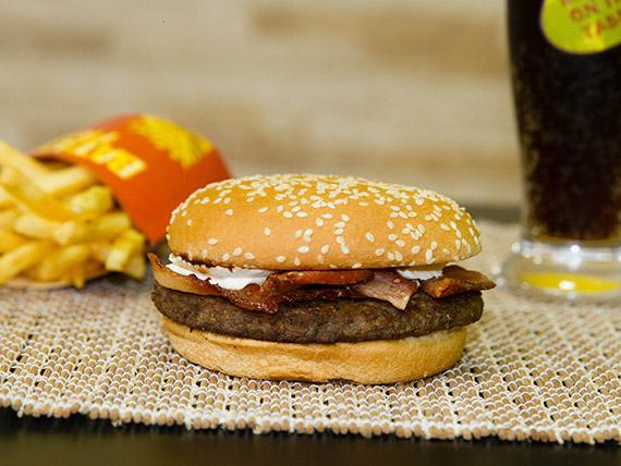 Trio - Sanduíche philly bacon + batata frita + refrigerante em lata
