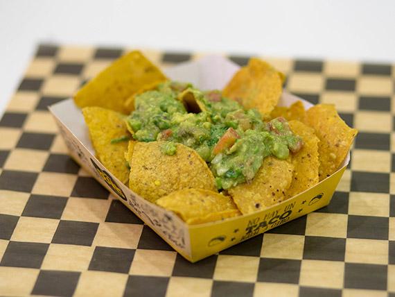 Nachos con guacamole (tamaño S)