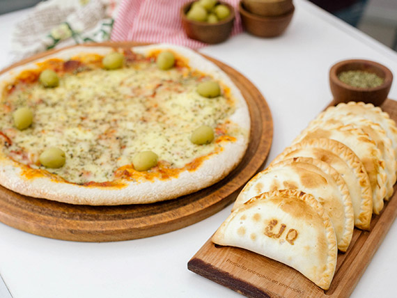 Promo - Pizza muzzarella + 6 empanadas
